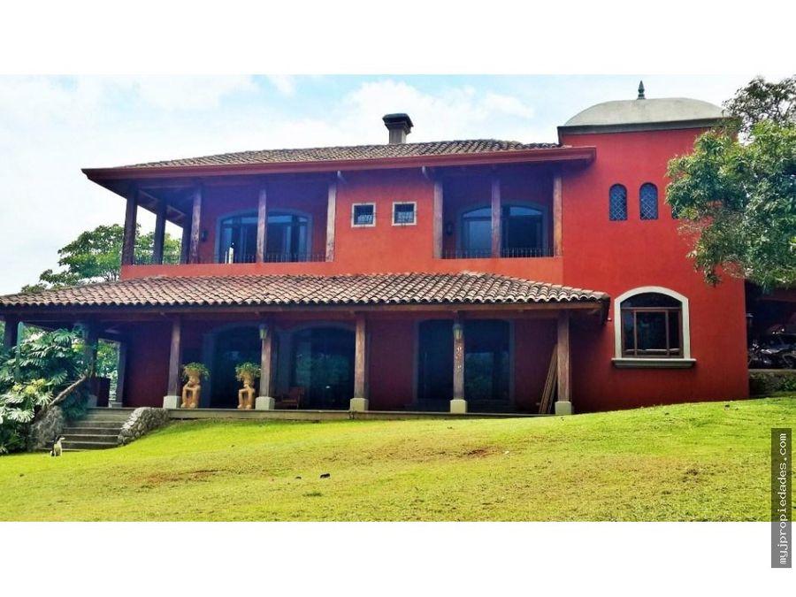 venta hermosa casa independiente desamparados