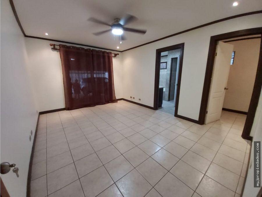 venta de hermosa casa independiente de 1 planta en residencial escazu