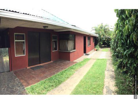 venta de terreno con 2 casas de 1 planta alajuela
