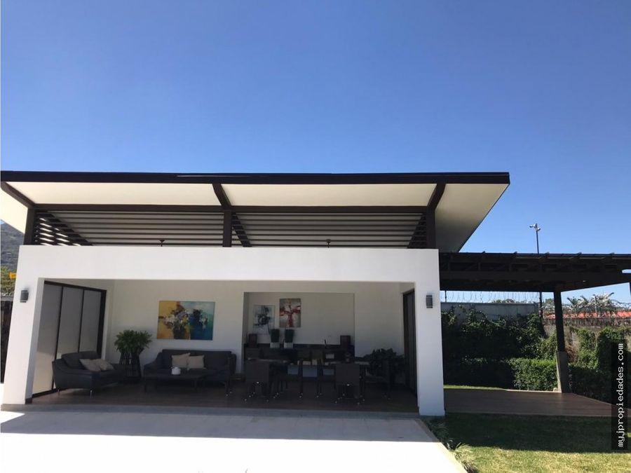 venta lujosa casa en condominio santa ana