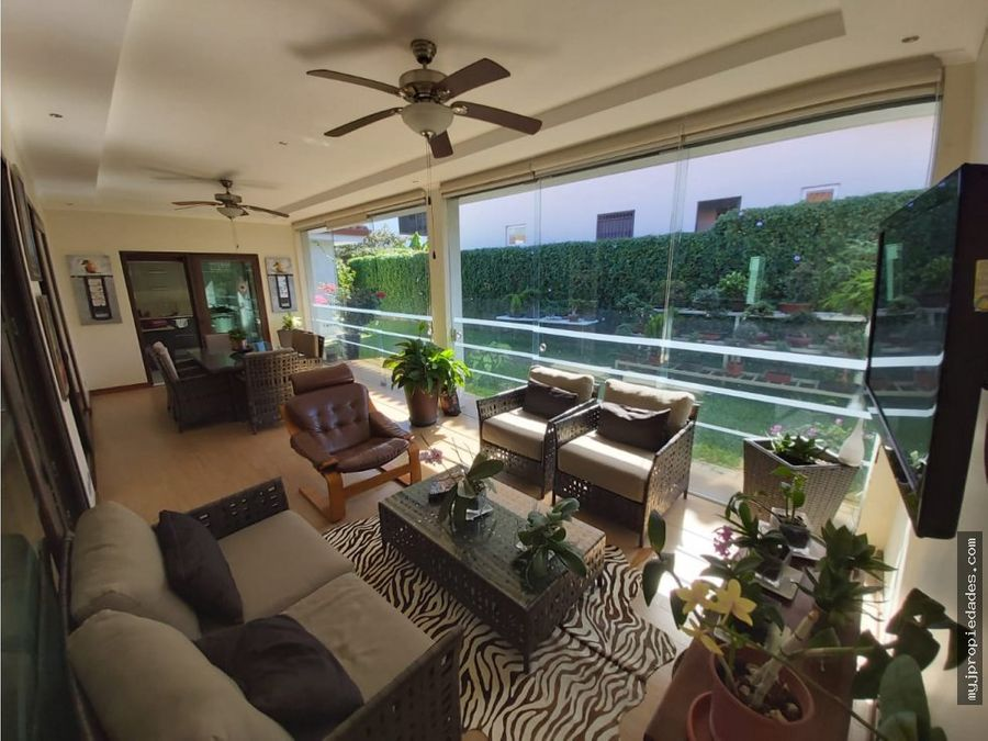 lujosa casa de 1 planta en condominio santa ana