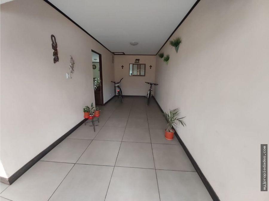 venta de hermosa casa 1 planta en hatillo 2