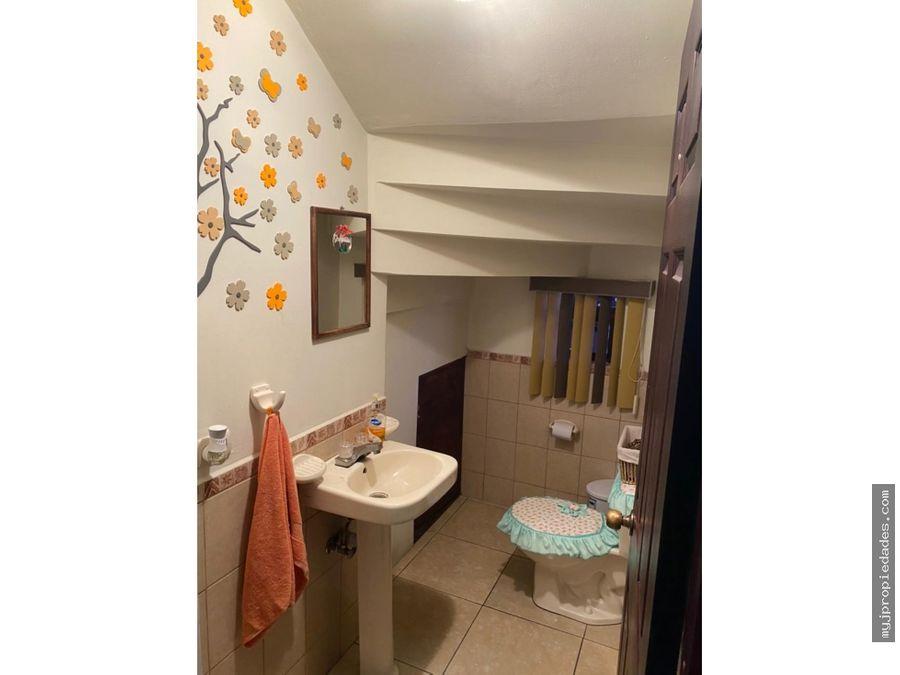 venta hermosa casa de 2 plantas en condominio