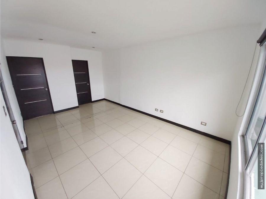 venta de casa de 2 plantas en residencial privado altos del horizante