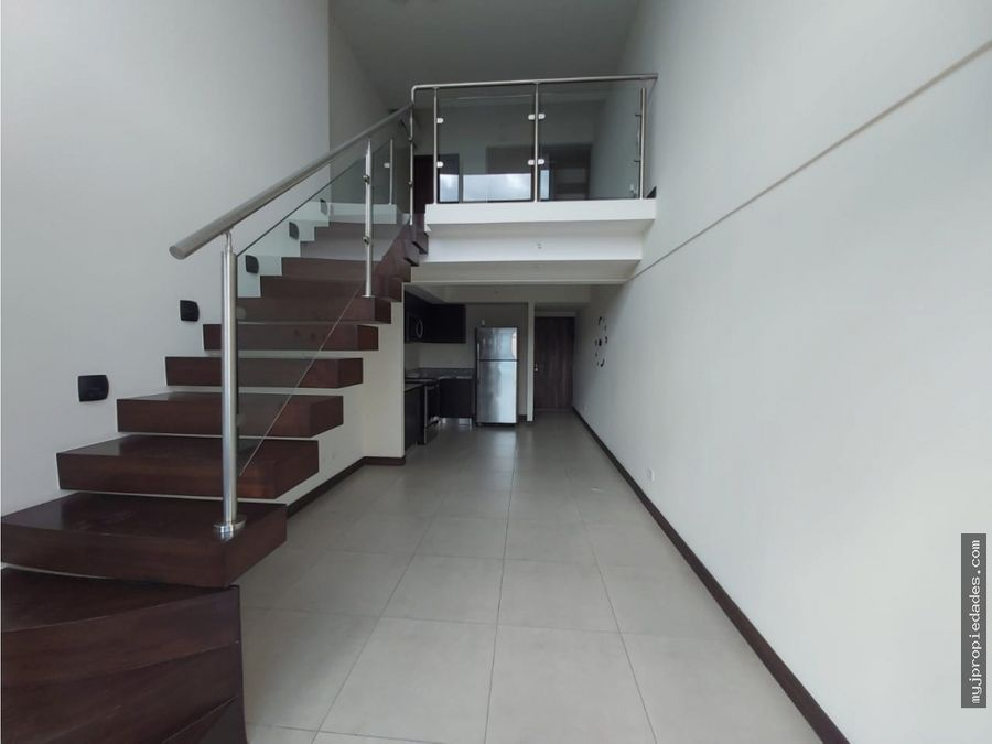 venta de apartamento en torre los yoses precio negociable