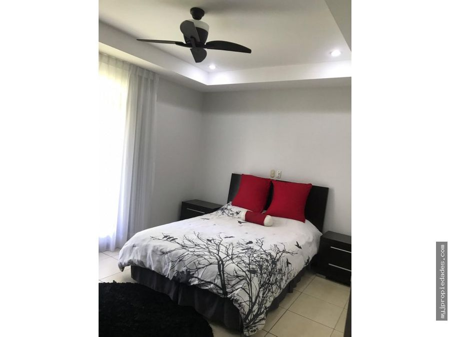 lujosa casa de 1 planta en condominio santa ana lindora