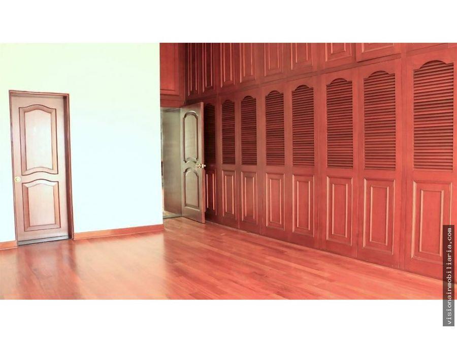 lujosa casa en casuarinas