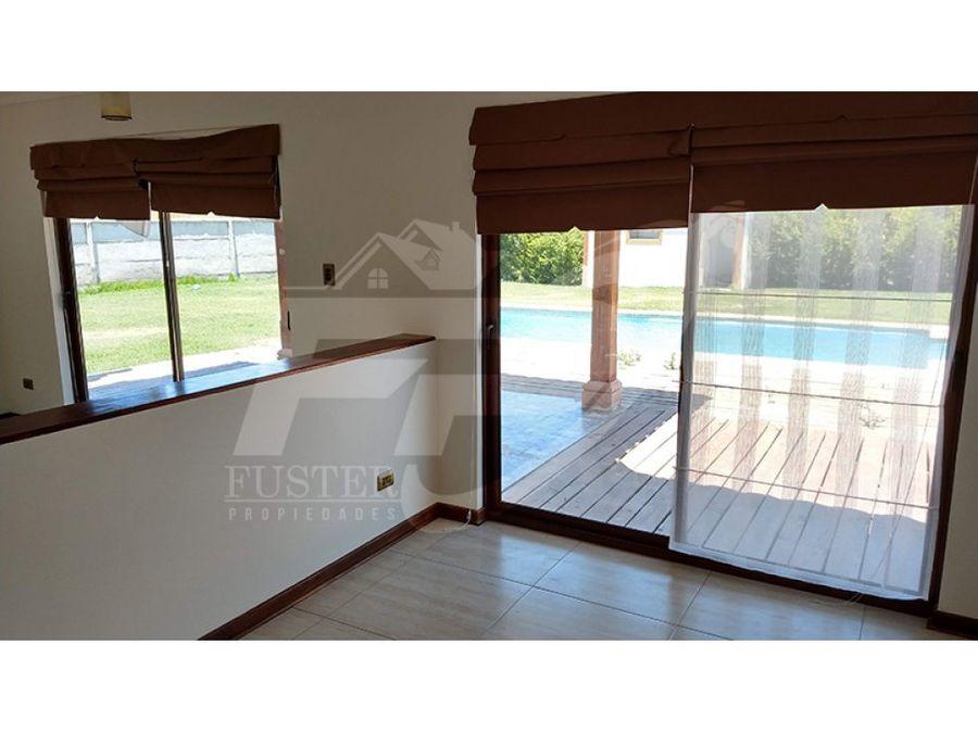 casa con piscina en arriendo en condominio el golf