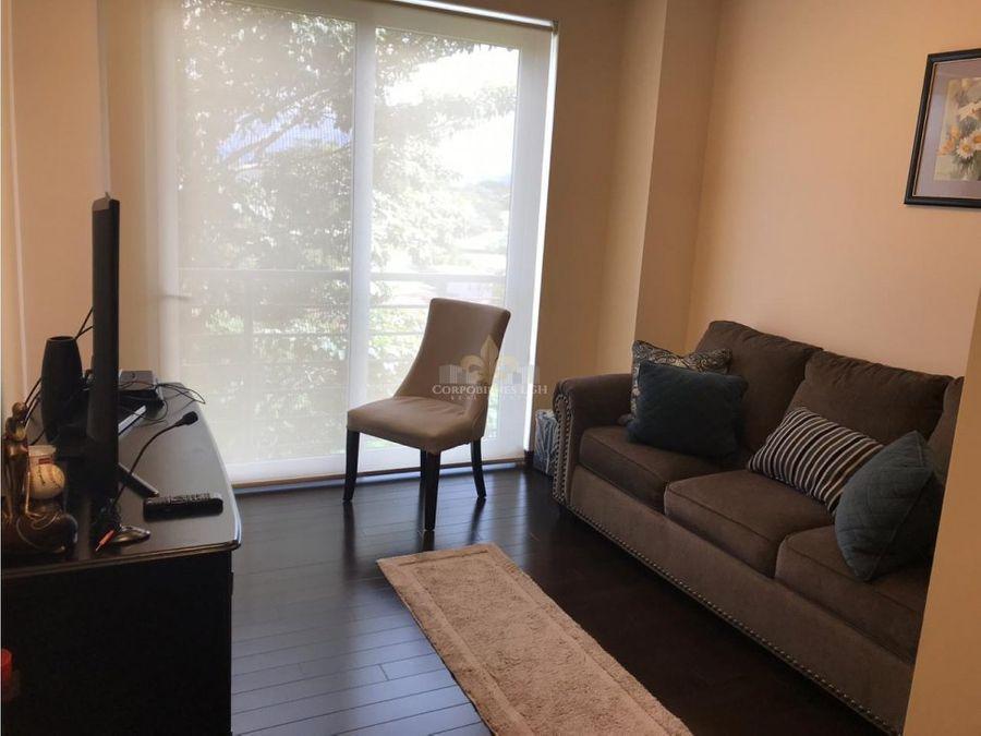 se vende apartamento en distrito cuatro escazu