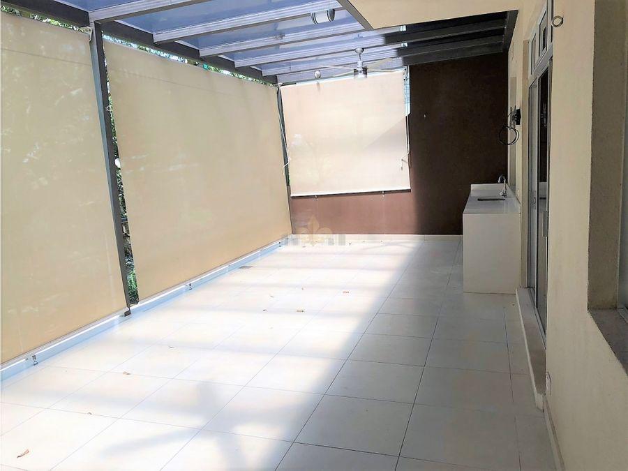 apartamento moderno en condominio exclusivo en santa ana centro