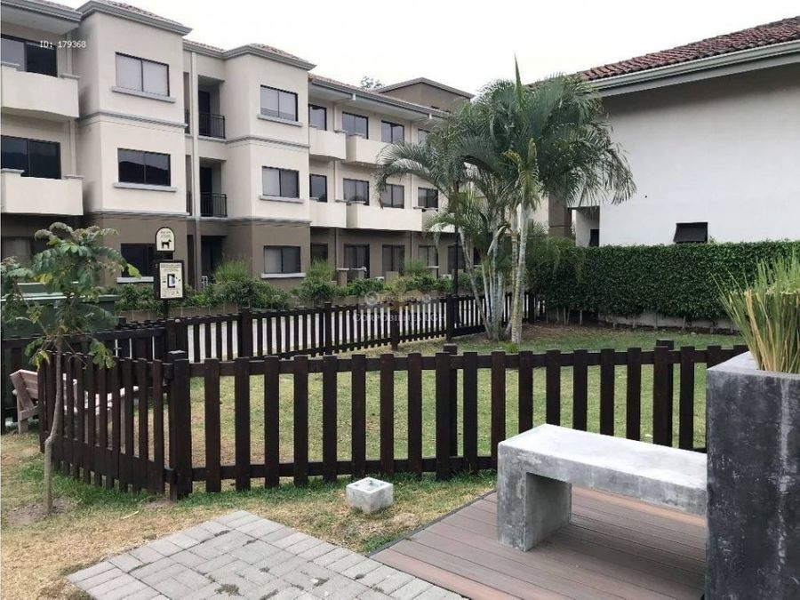 apartamento con jardin y linea blanca en santa ana