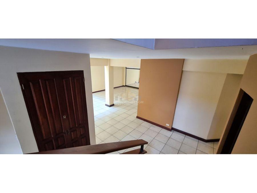 oportunidad gran casa en escazu en condominio con areas sociales