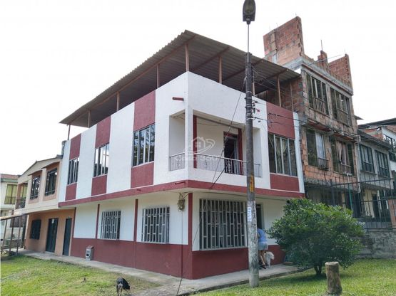 venta casa esquinera dos pisos mas terraza