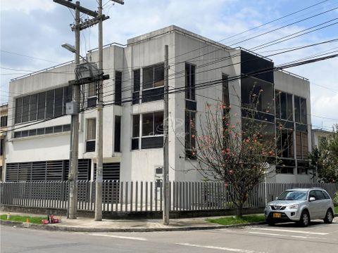 venta edificio uso medico comercial industrial