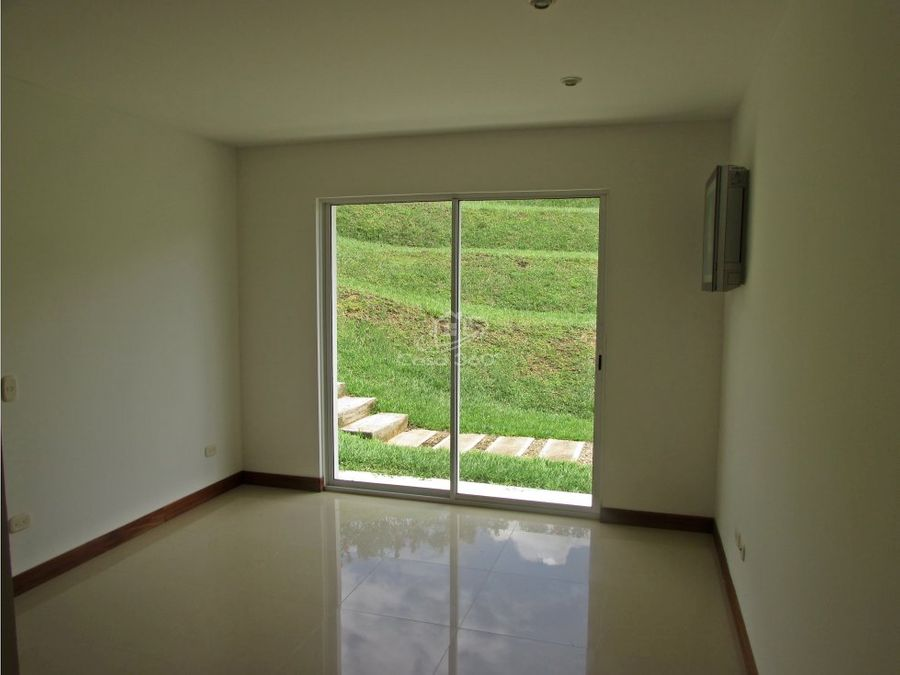 casa campestre en condominio exclusivo en restrepo