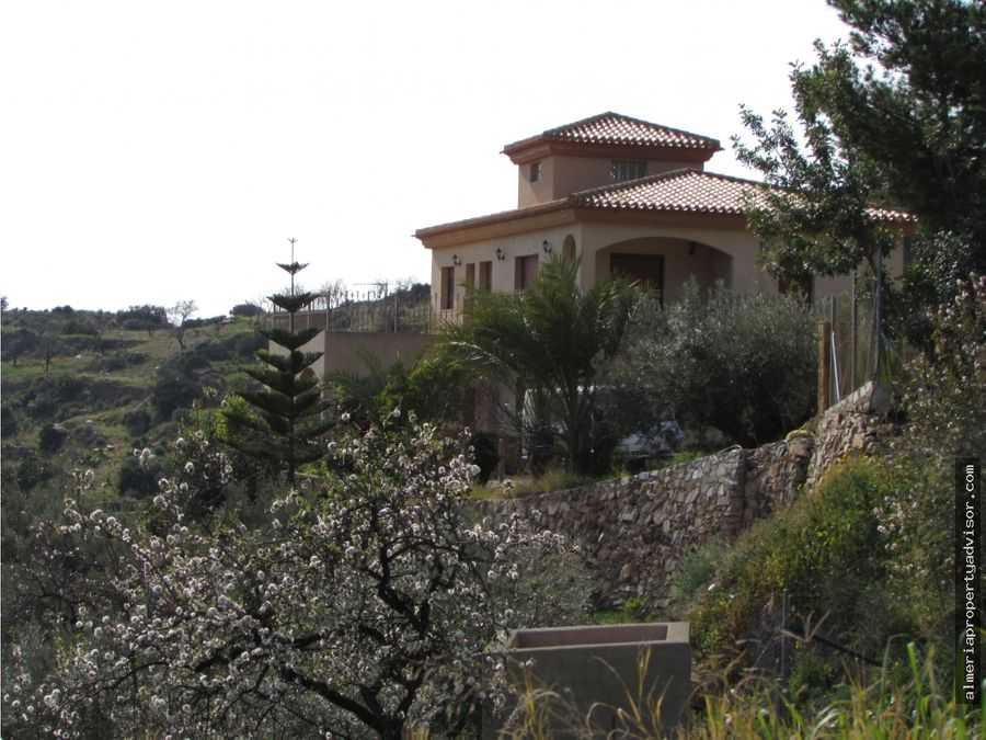 exclusiva villa en bedar