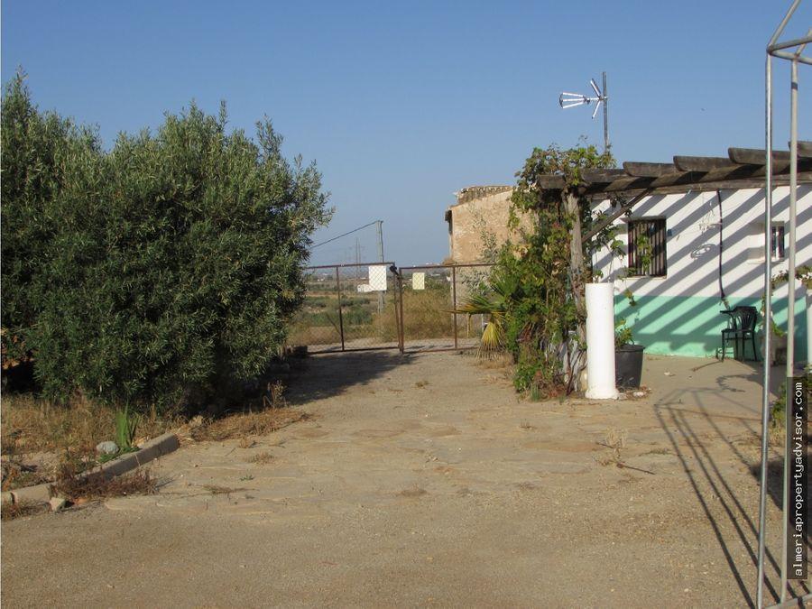 agrofinca con villa y granja de animales