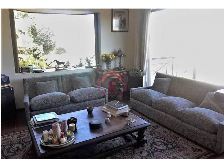 se vende hermosa casa con gran terreno en los almendros renaca