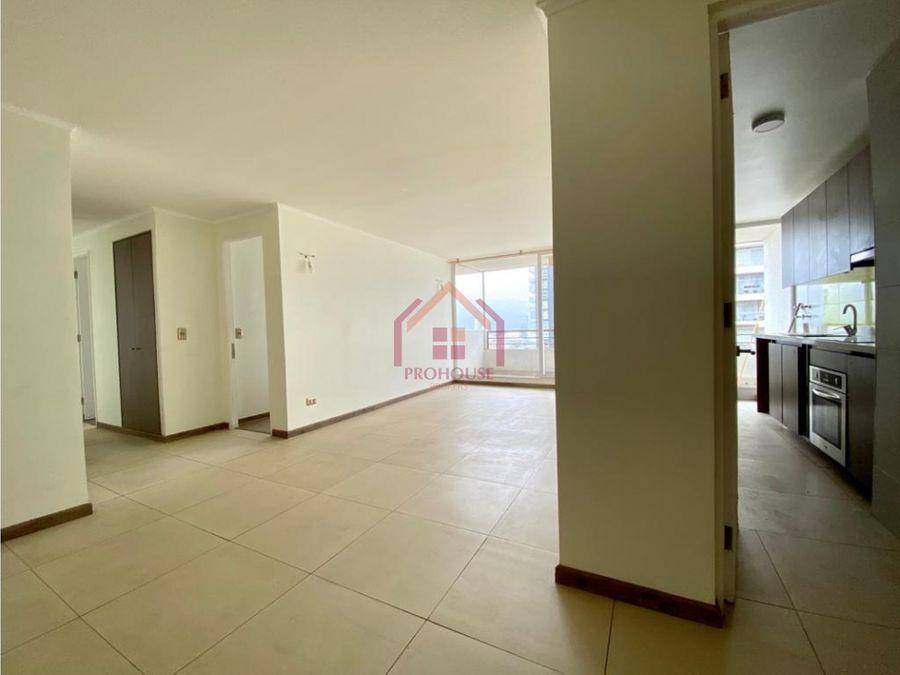 se vende amplio departamento de 3 dormitorios en centro de vina