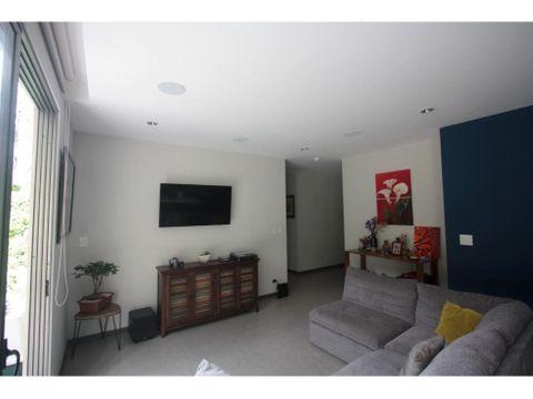 se vende hermoso apartamento en condominio