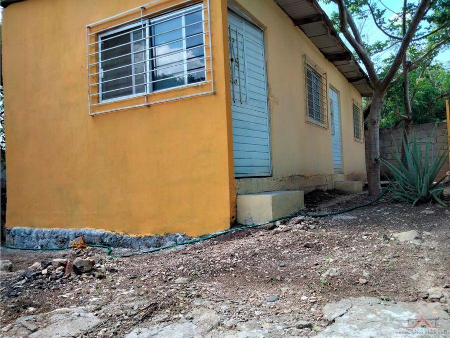se vende casa en colonia adriana gabriela
