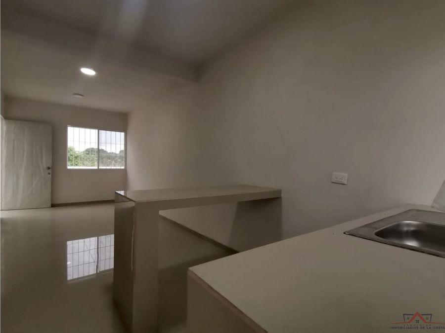 se vende casa en colonia santa barbara