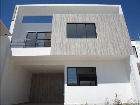 se vende casa en 15 oriente priv la paz