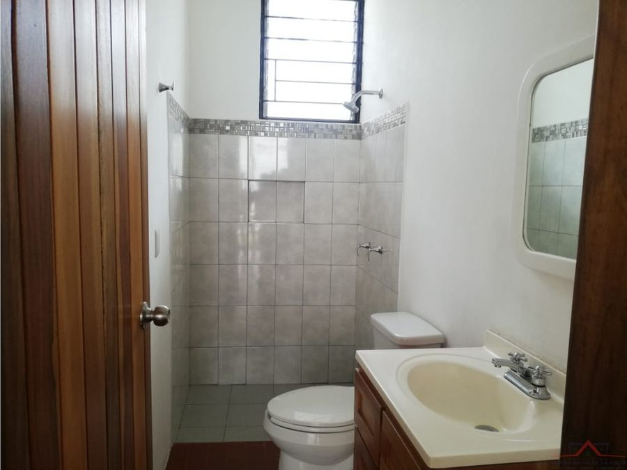 se vende casa en 7a norte 129 21 y 21 privada