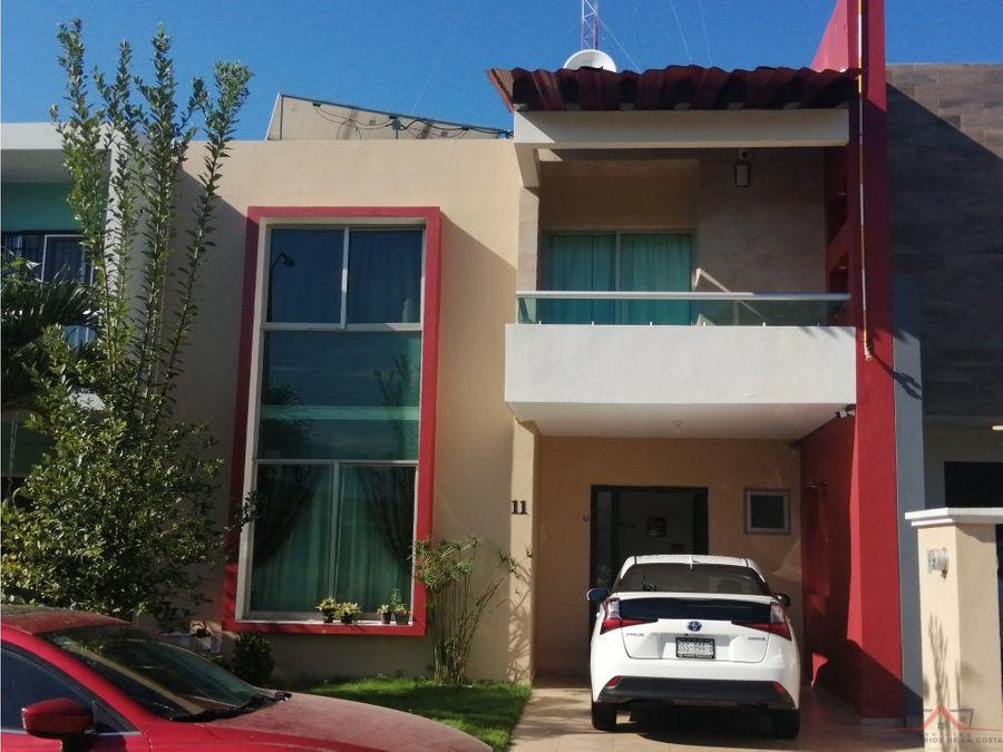se renta casa en residencial santa monica