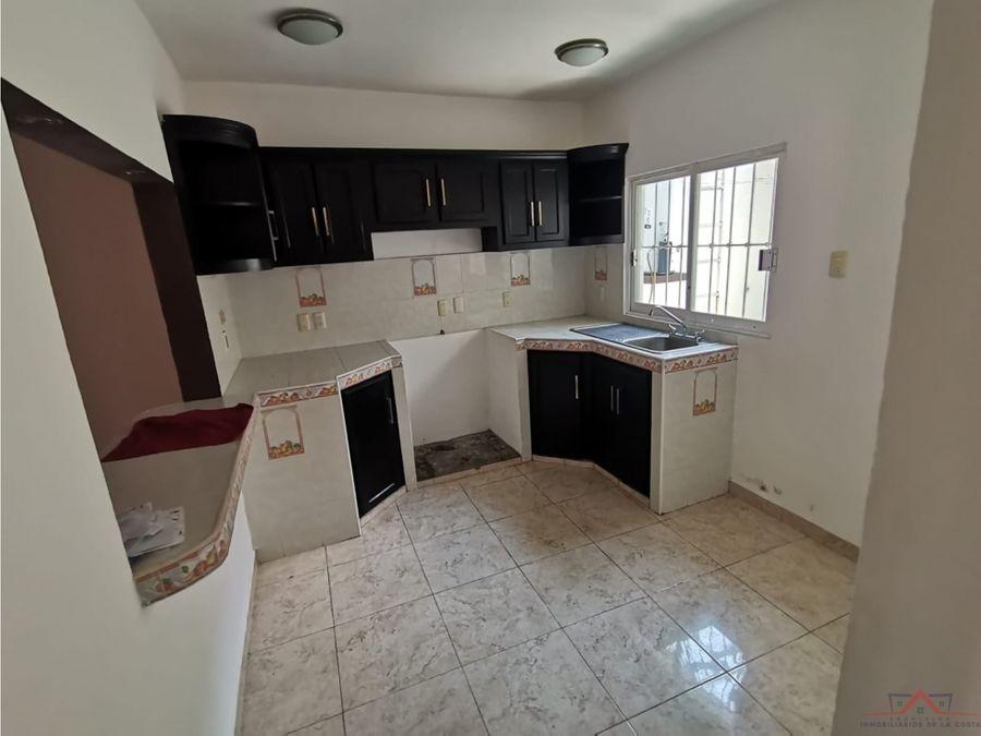 se vende o se renta casa en 7a oriente