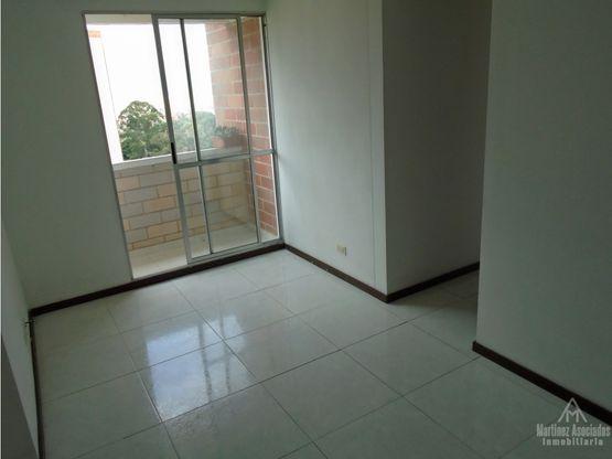 Apartamento en arriendo Loma de los Bernal