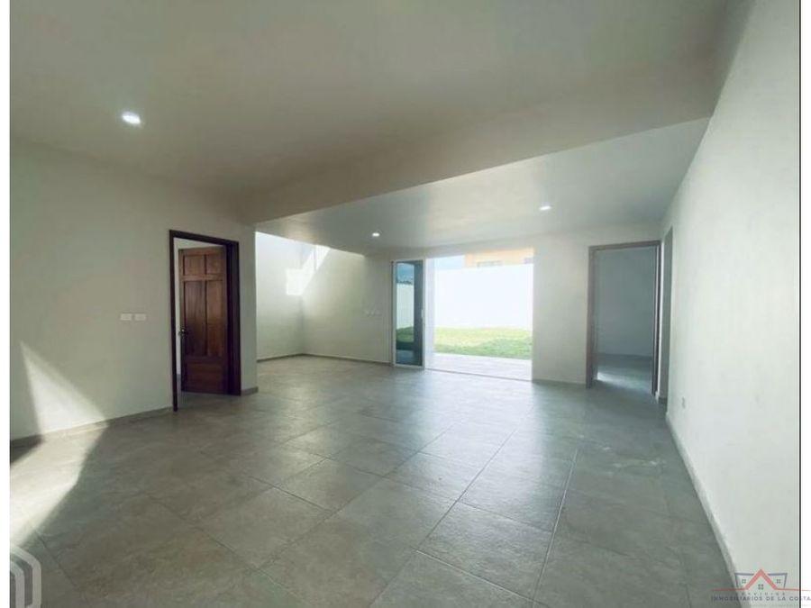 amplia casa en venta magisterial tapachula