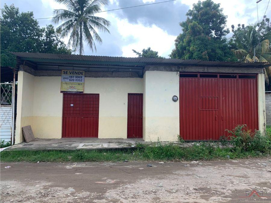 se vende casa en colonia palmeras