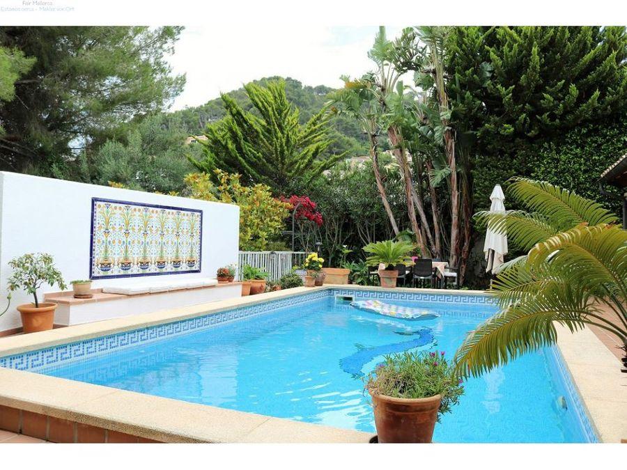 chalet con piscina y garaje en costa de canyamel