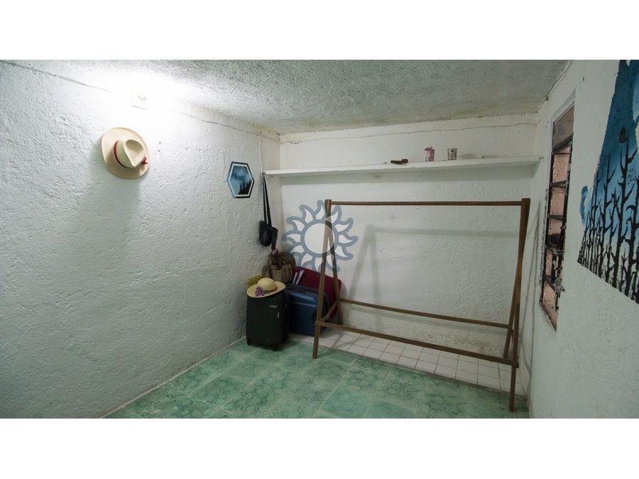 centrica casita en venta en el barrio candelaria