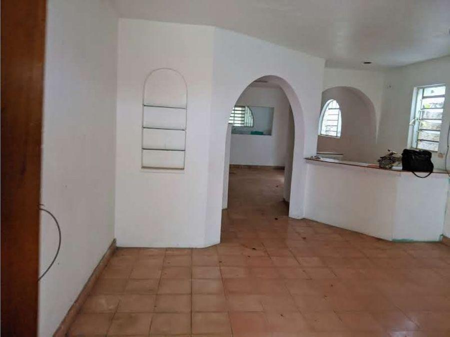 casa en venta con amplio lote en santa lucia