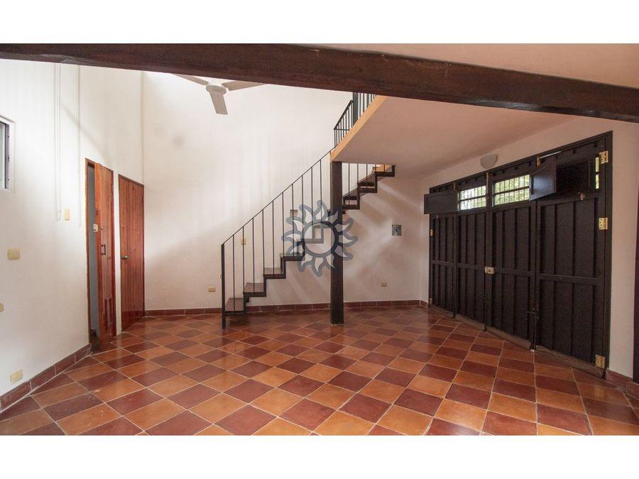 espectacular casa en venta frente a cenote zaci