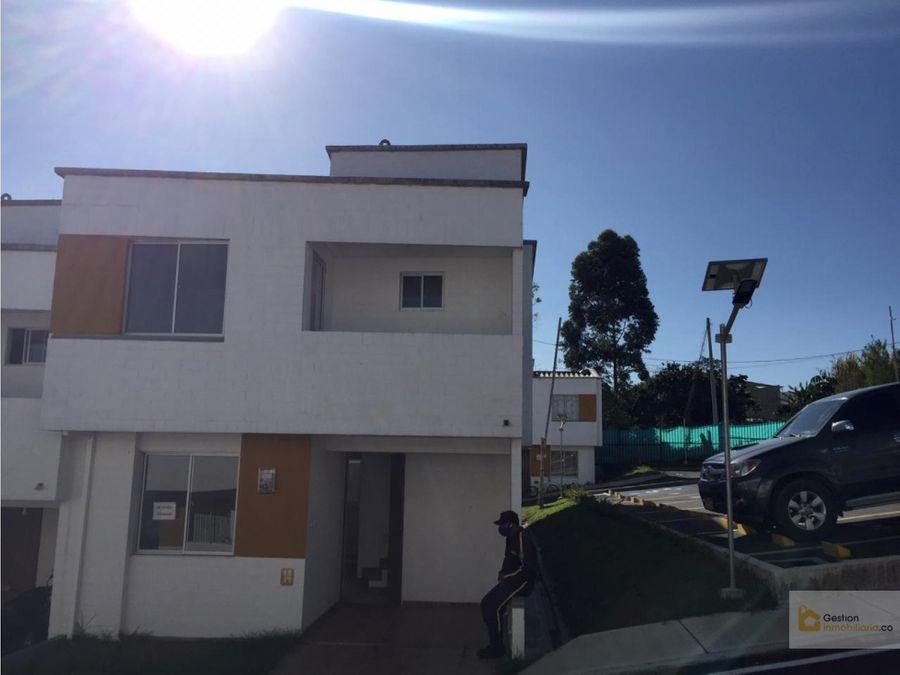casa esquinera en venta morinda vittal