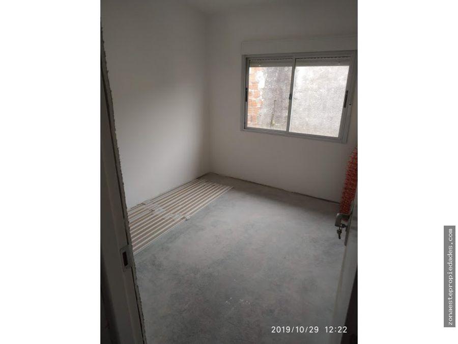 se alquila lindo apartamento barrio tassano