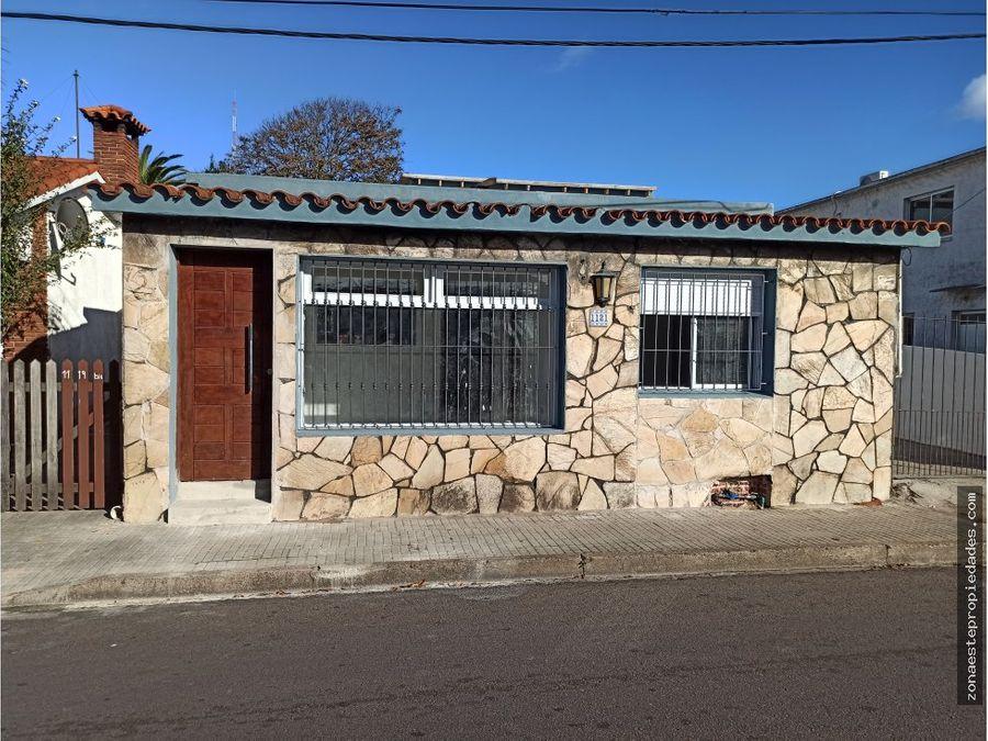 se vende casa amplia con oficina centro de maldonado