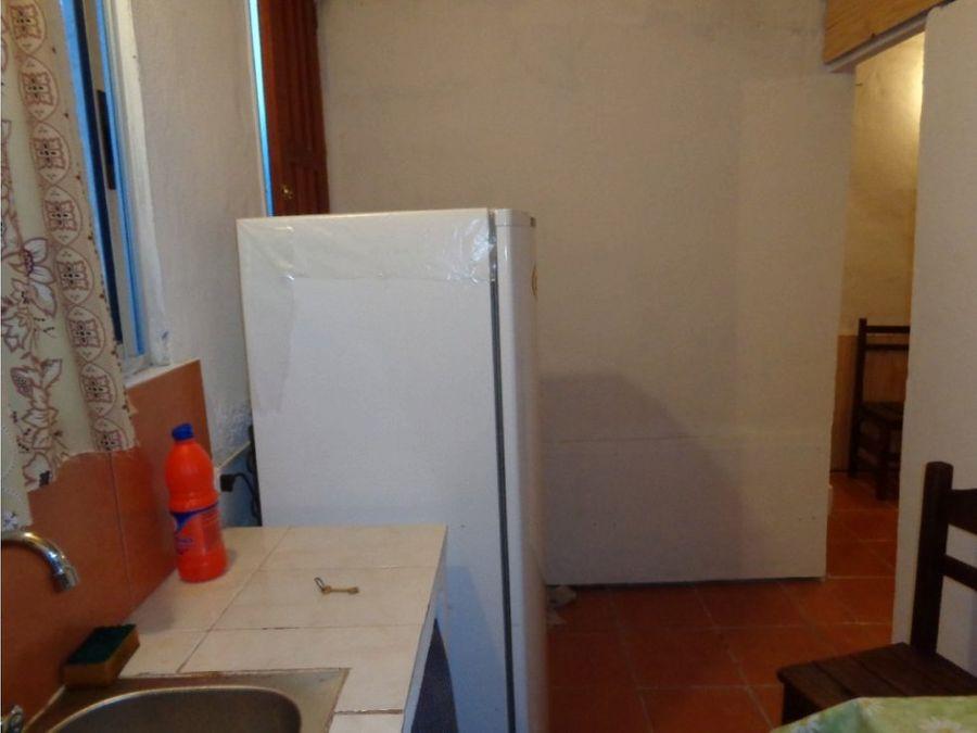 se vende dos casas con 4 aptos ipora maldonado