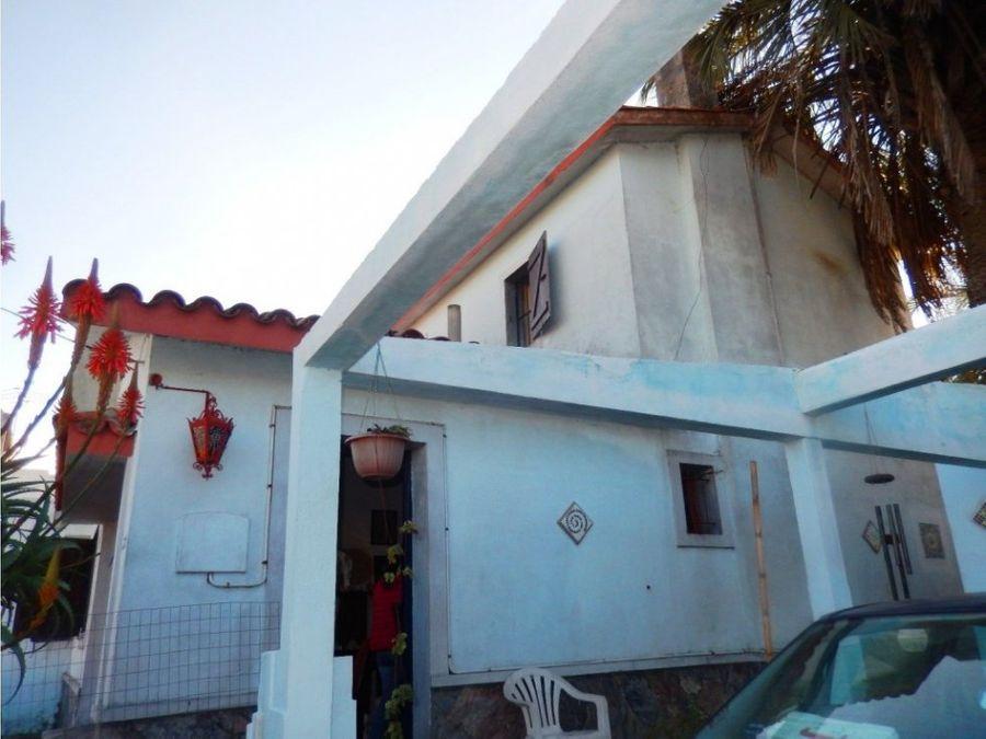 se vende casa en el centro de maldonado