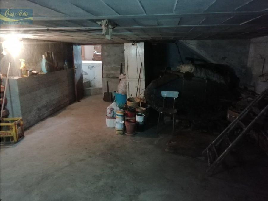 casa unifamiliar con terreno en el centro de vimianzo