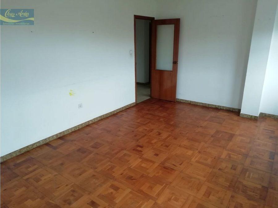 se vende piso a reformar en el centro de arteixo
