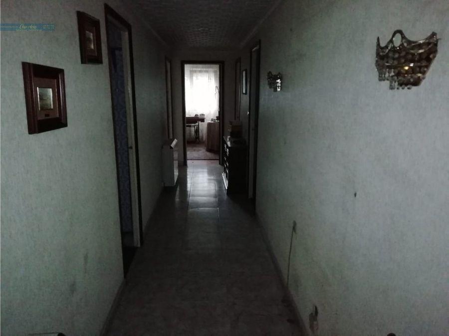 se vende piso en gran via carballo