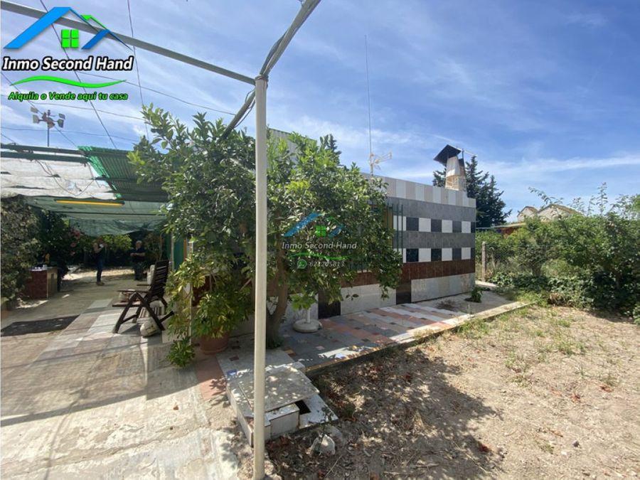 casa de campo con piscina y terreno