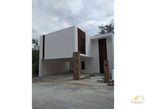 venta de casa en cumbres de santiago santiago nl