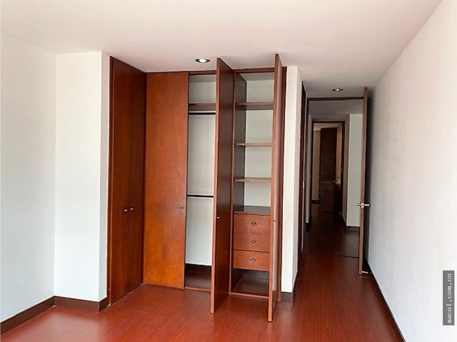 vendo excelente apartamento en santa barbara