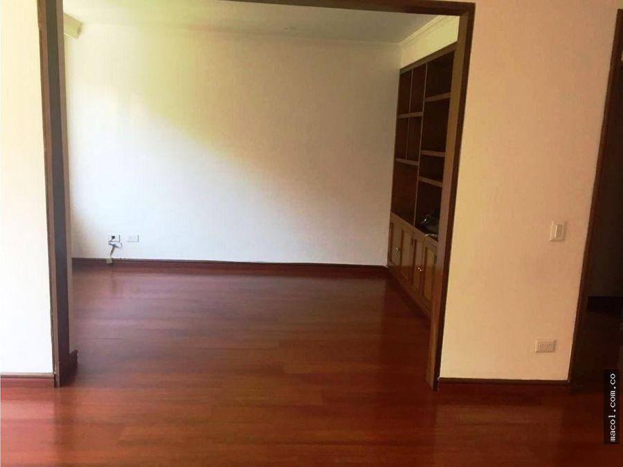 arriendo lindo apartamento en rosales