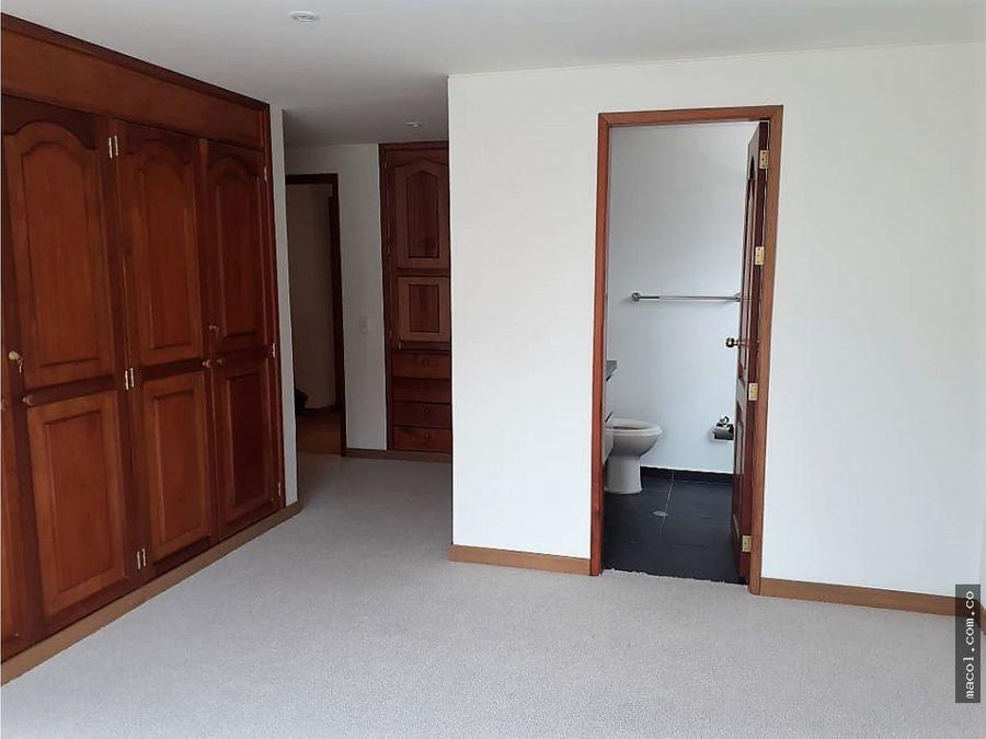 vendo o arriendo apartamento remodelado en santa barbara
